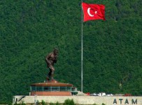 Atatepe Atatürk Heykeli
